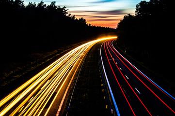 Keuken foto achterwand Nacht snelweg Car lights on a highway at night