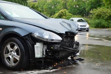 PKW Unfall bei Nässe