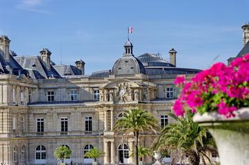 Façade du Sénat, Paris