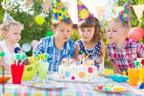 Праздник детства детский день рождения стихи о маме детский праздник