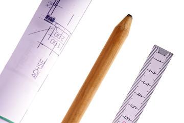 Bauzeichnung mit Zollstock und Bleistift