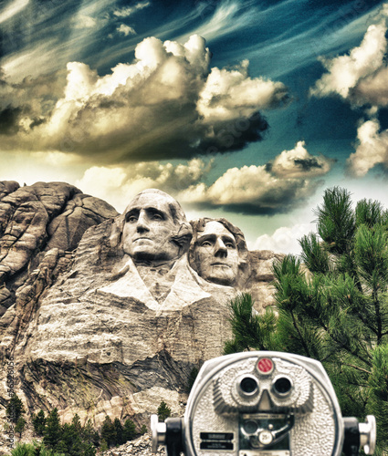 Fototapete Mount Rushmore, South Dakota. View with telescope on foreground