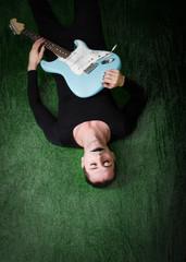 guitarist play on park