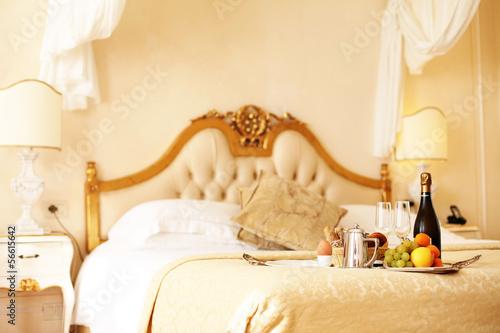 fr hst ck im bett stockfotos und lizenzfreie bilder auf. Black Bedroom Furniture Sets. Home Design Ideas