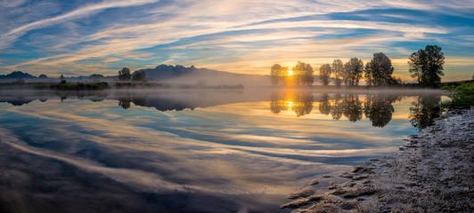 Fotomurales - Panorama of River Reflection