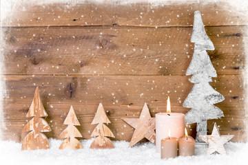 Weihnachtskarte rustikal mit Holz, Kerzen und Schneeflocken