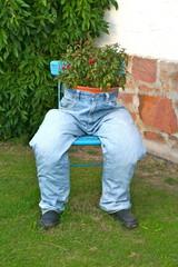 Blumentopf-Dekoration aus Jeanshose