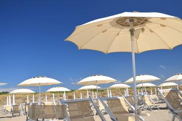 Malownicza plaża Marina di Vecchiano niedaleko Pizy, Włochy