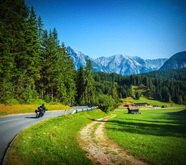 Fototapete - Bikers on mountainous road