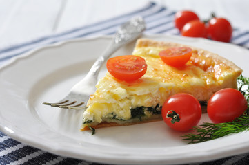 quiche pie with spinach and cheese