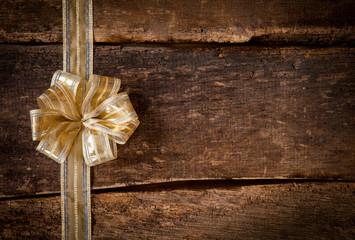 Gold ribbon and bow border