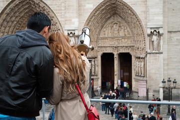 toursite devant notre dame de Paris