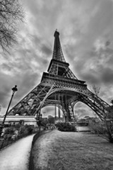 Fototapete - Magnificence of Eiffel Tower, view of powerful landmark structur