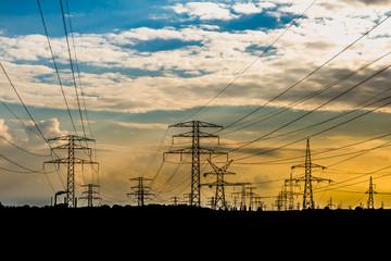 słup linii wysokiego napięcia, elektrownia