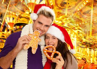 pärchen auf dem weihnachtsmarkt 1