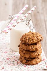 Oat cookies with milk
