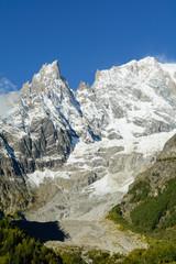 Il Monte Bianco e l'Aiguille Noire de Peuterey