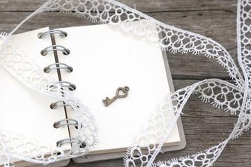 Photo sur Aluminium Pissenlits et eau romantic retro notebook