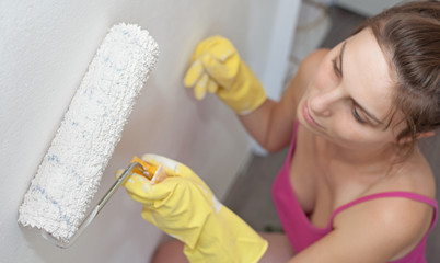 Painting her Appartment