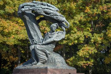 Obraz Pomnik Fryderyka Chopina w Łazienkach Królewskich - fototapety do salonu