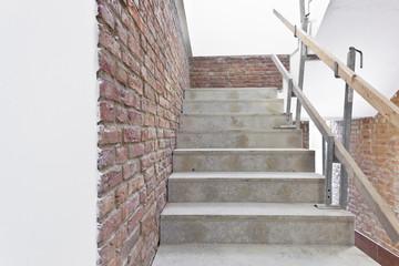 Treppengeländer auf der Baustelle provisorisch