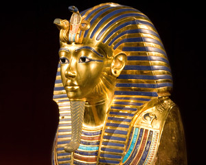mask of tut ankh amon