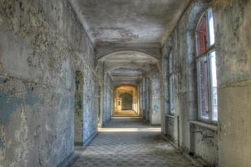 Wall Mural - Altes verlassenes Krankenhaus