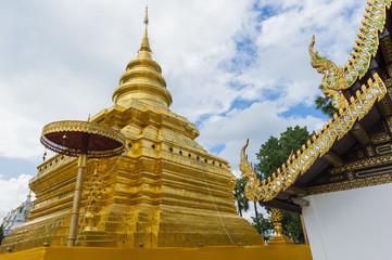Golden Pagoda at Wat Phra That Sri Chom Thong, Chiangmai,
