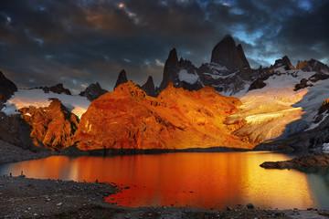 Aluminium Prints Gray traffic Mount Fitz Roy, Patagonia, Argentina