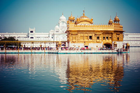 Sikh gurdwara Golden Temple. Amritsar, Punjab, India