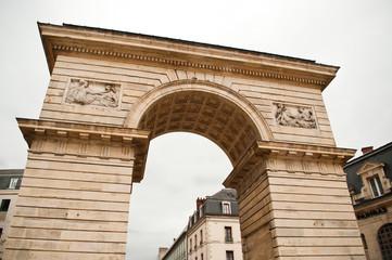 arc de triomphe place Darcy à Dijon
