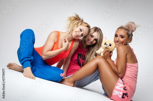 drei lustige Mädels Stockfotos und lizenzfreie Bilder