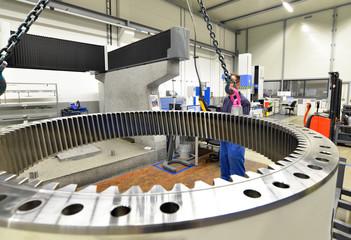 Industriehalle Maschinenbau // industry engineering