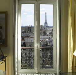 Poster de jardin Art Studio France - Paris - Window with Eiffel tower and roofs view