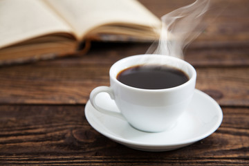 Fotoväggar - Cup of coffee and a book