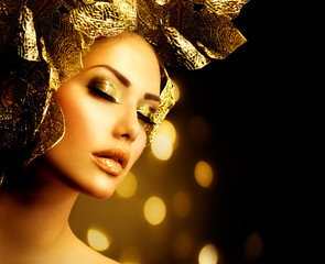 Wall Mural - Fashion Glamour Makeup. Holiday Gold Make-up