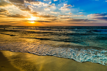 Obraz Dubai sea and beach, beautiful sunset at the beach - fototapety do salonu