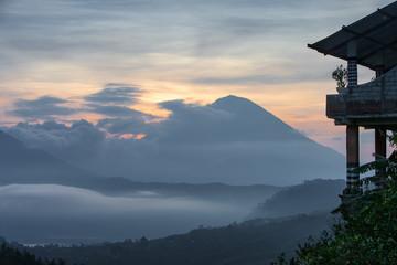 Восход  около вулкана Батур