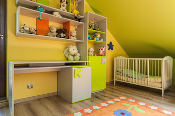 Urban apartment - green and yellow interior