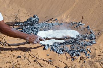 Cuisson du pain dans le désert - Tunisie