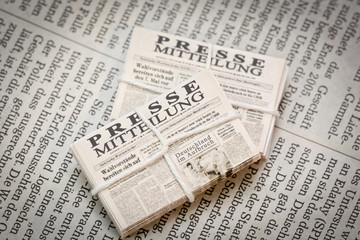 Pressemitteilung alte Zeitungen