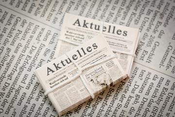 Aktuelles Zeitungsstapel