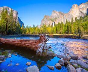 Poster de jardin Parc Naturel Yosemite Merced River el Capitan and Half Dome