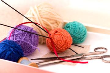 Kknitting accessories in box