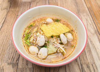 Fine Cut White Rice Noodle Hot and Sour Soup with pork ball