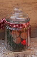 Weihnachtsdekoration im Glas