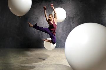 Tancerz w skoku