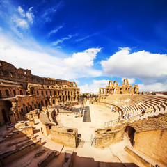 Photo sur Toile Tunisie Ruins of the largest colosseum in North Africa. El Jem, Tunisia.