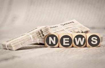 News alter Zeitungsstapel