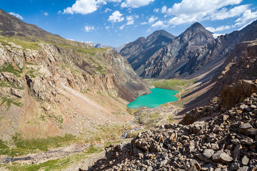 Fototapete - Wonderful turquoise mountain lake, Kyrgyzstan